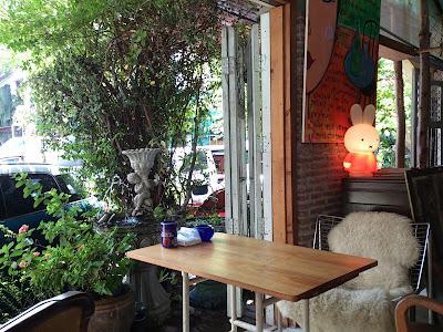 エカマイのカフェ