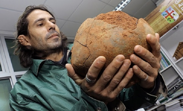 Archaeologists in Bolivia unearth 1,100 year old bones
