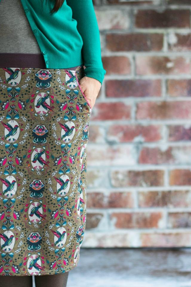 rock aus Jersey mit Kolibri Druck design lila Lotta