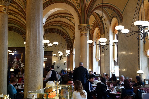 café traditionnel vienne central