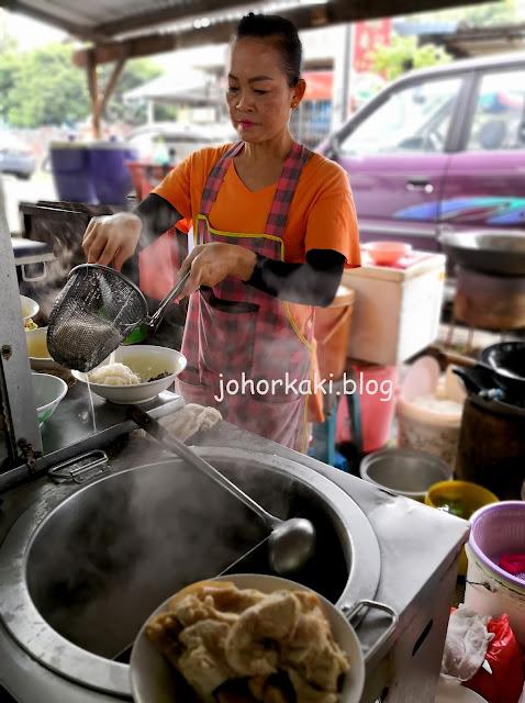 Ang-Moh-Pork-Organ-Soup-Tampoi-紅毛豬雜湯