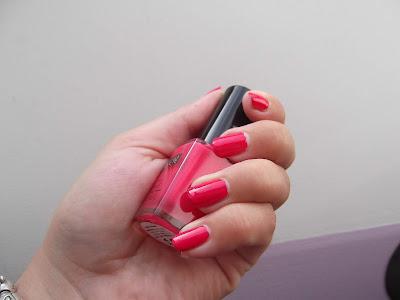 lak na nechty ružový