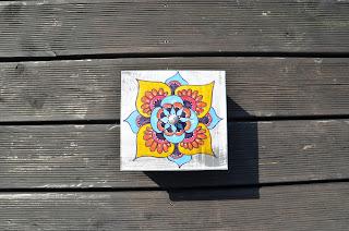 drewniana herbaciarka ręcznie malowana szkatułka z mandalą