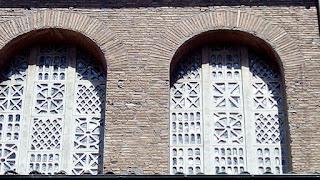santa sabina janela - Basílica de Santa Sabina