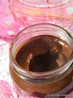 Σπιτικό άλειμμα σοκολάτας-Homemade chocolate spread