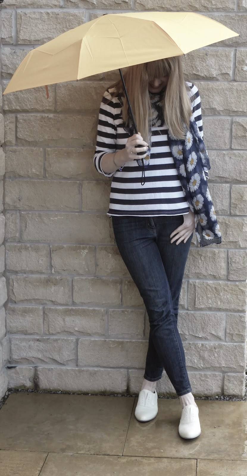 Over 40 styla blogger What Lizzy Loves wears Javk Wills Alburgh breton with floral daisy scarf and Clarks yellow brogues