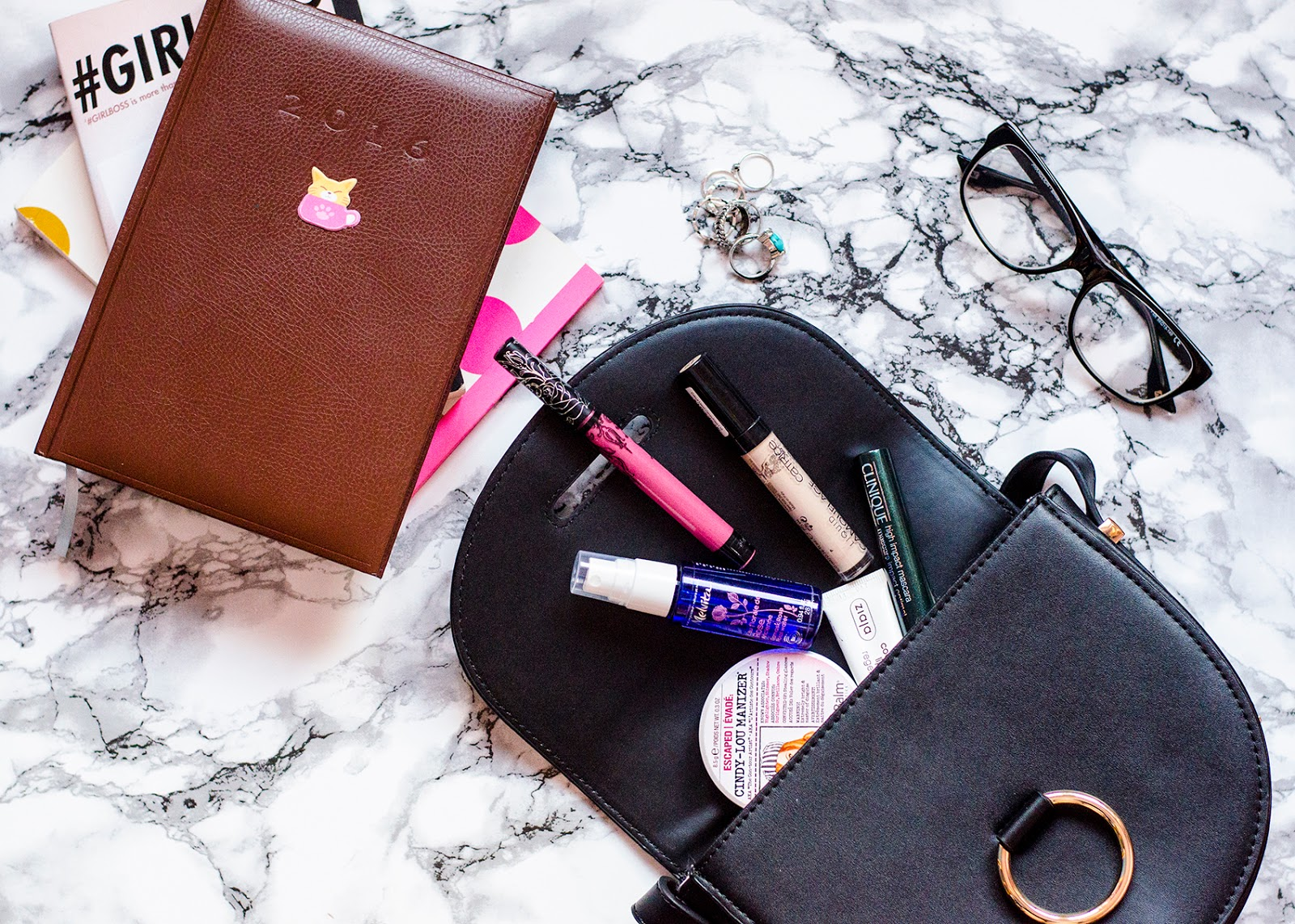 ON-THE-GO BEAUTY ESSENTIALS