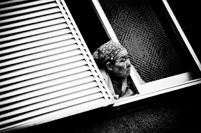 photography, black and white, window, old woman, contrast