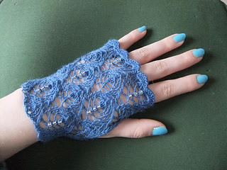 knitting pattern for beaded lacy gloves, bridal gloves