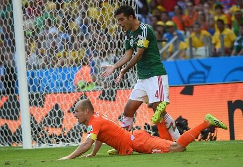 Robben có sự tinh quái trên sân bóng khiến đối thủ lúng túng