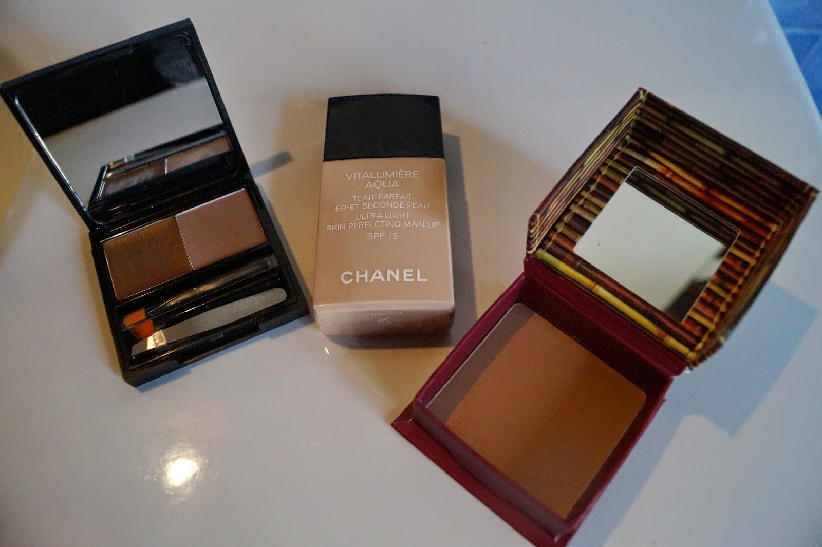 ea4105421ab Let's just say that this month, I have aquired quite a bit of beauty stuff,  I'll let you discover the extent of the damages. Chanel ...