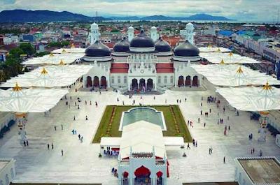 FPI Desak Pemerintah Tindak Pelanggar Syariat Islam di Masjid Raya Baiturrahman