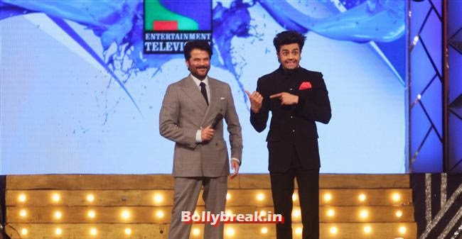 Anil Kapoor and Manish Paul, Bollywood Celebs at Umang Police Show 2014