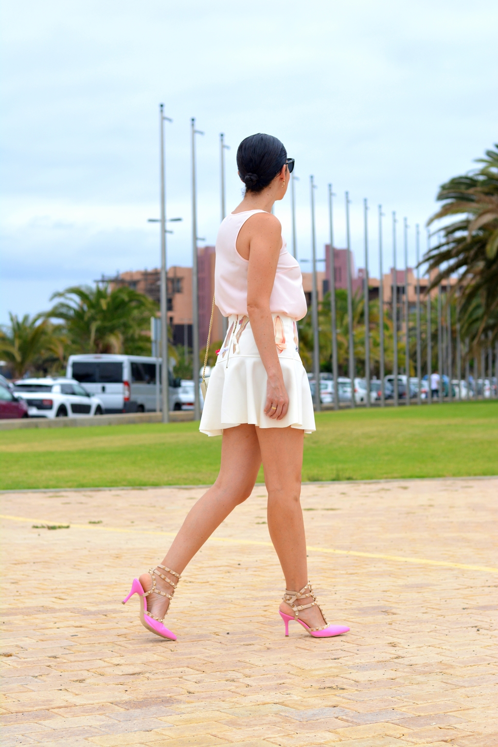 pink-outfit-mini-skirt-arcadinas