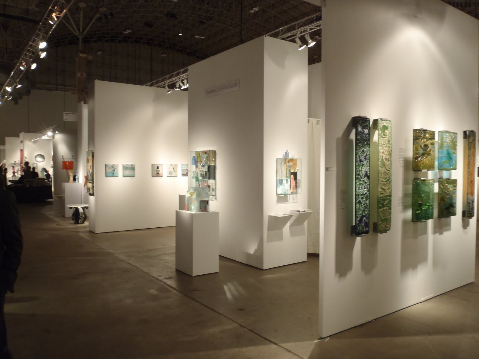 Sofa Art Gallery Loft Miami Fl Washington Glass School Report From Chicago