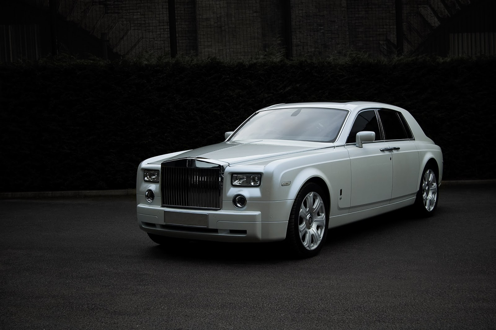 cars gto project kahn pearl white rolls royce phantom. Black Bedroom Furniture Sets. Home Design Ideas