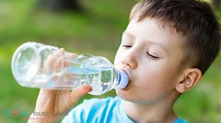 هل المياه المعدنية مفيدة ام ضارة بصحة الاطفال؟ د.يوسف قضا