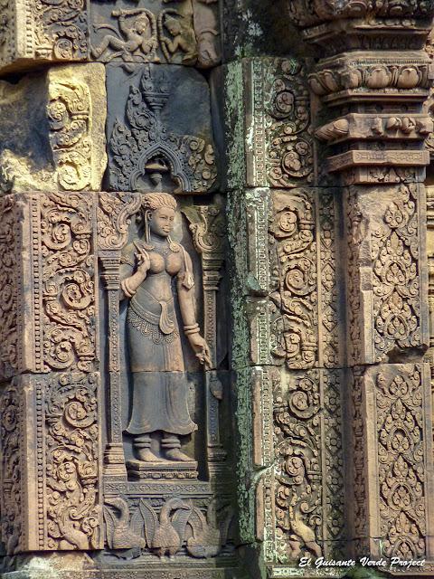 Banteay Srei, devata del primer recinto - Angkor, Camboya por El Guisante Verde Project