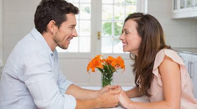 5 طرق لتعيد وتسترجع الرومانسيه الى حياتك الزوجيه مره اخرى رجل امرأة صور حب عشق رومانسيه