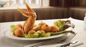 RELATOS: Un plato más en la mesa