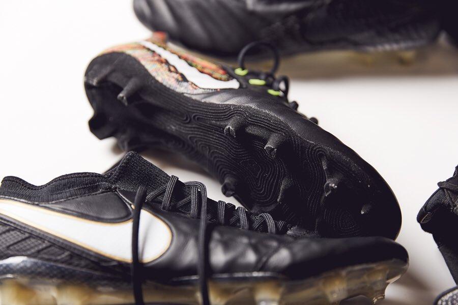 Nike Tiempo Legend 7 Elite Blackout - Musée des impressionnismes Giverny 3f603db23d695