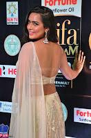 Prajna Actress in backless Cream Choli and transparent saree at IIFA Utsavam Awards 2017 0018.JPG