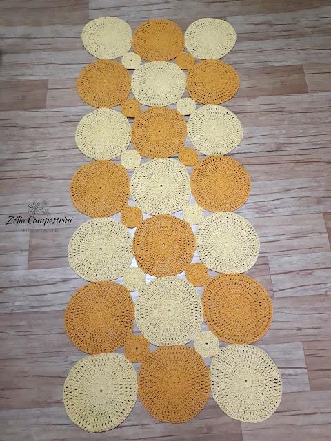 Tapete de crochê em círculos