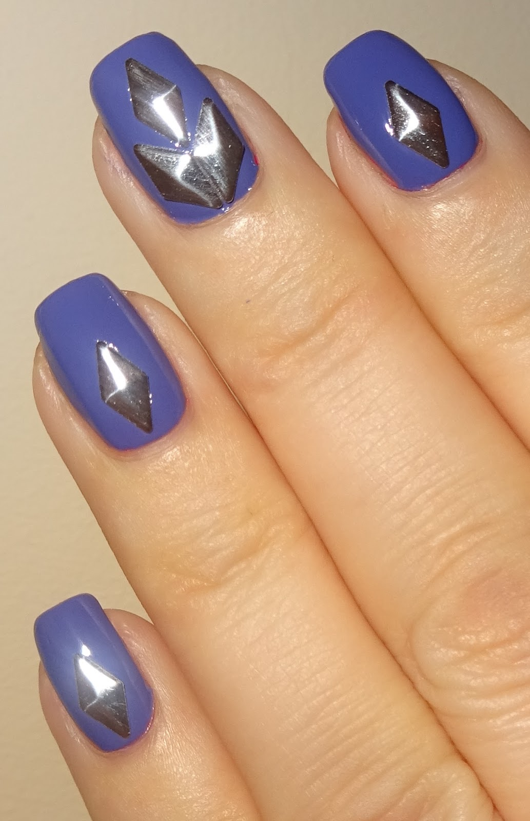 Wendy\'s Delights: Silver Diamond Nail Studs from Sparkly Nails