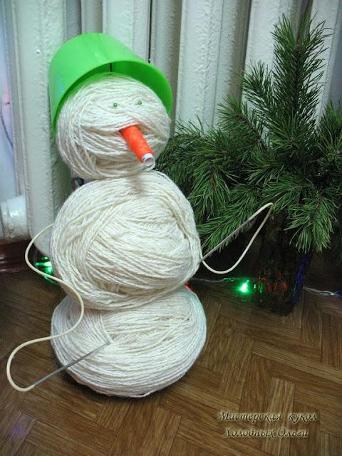 Снеговик из клубков