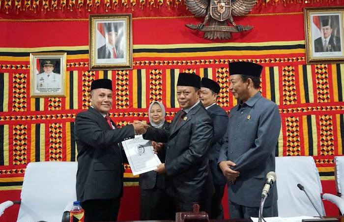 Gelar Sidang Paripurna, DPRD Lampung Selatan Sampaikan Rekomendasi LKPJ Bupati.