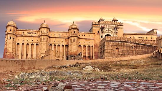 Admire forts and historic palaces