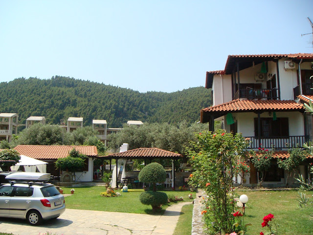 Bungalow on the left, Villa and Ground Apartment on the right