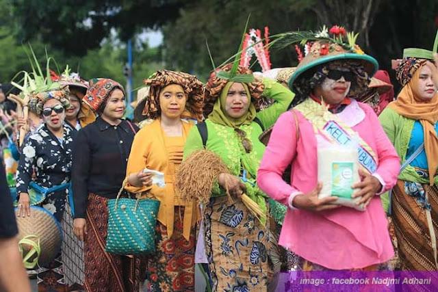 Walikota Banjarbaru bakal menjadikan pawai budaya sebagai agenda wajib yang digelar di setiap tahun di Kota Banjarbaru. Event akbar ini digadang-gadang akan mampu menjadi magnet bagi wisatawan.