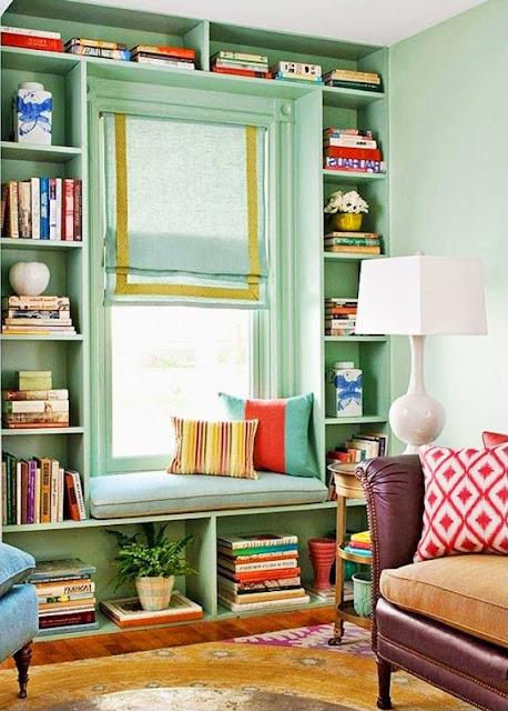 bibliothèque vert menthe coin de fenêtre