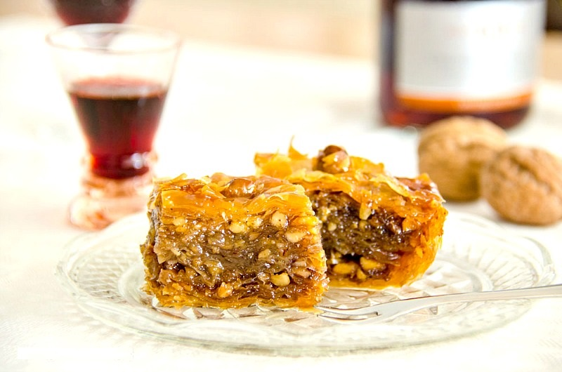 Greek Baklava recipe with step by step instructions and photos - Ioanna's Notebook