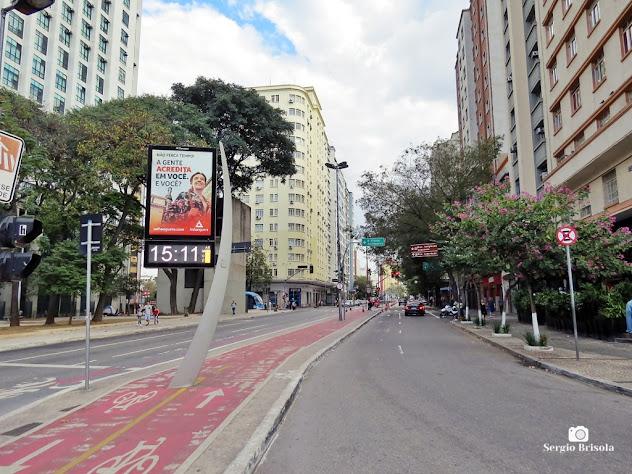 Vista ampla do início da Avenida Liberdade - São Paulo