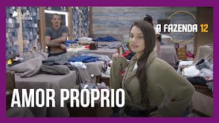 A Fazenda 12 – Tays, Victória, Jakelyne, Mariano, Lipe e Juliano conversam no ofurô