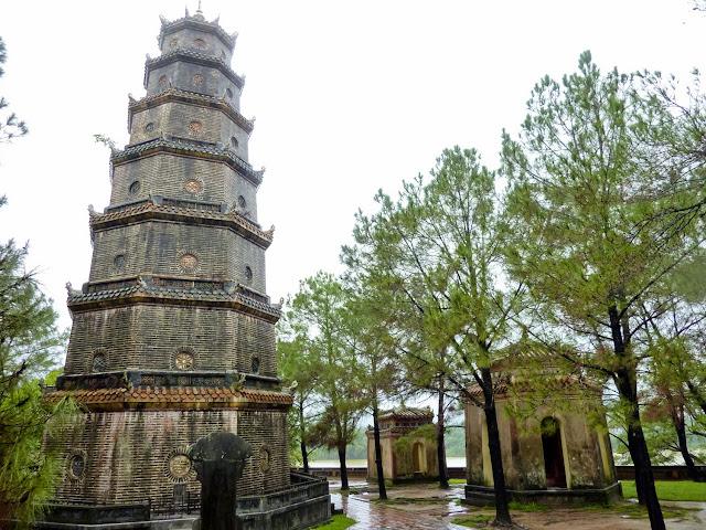 Torre Octogonal de  la Pagoda de Thien Mu, Hué, Vietnam