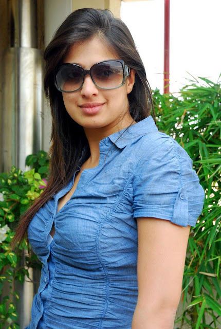 tollywood hot actress