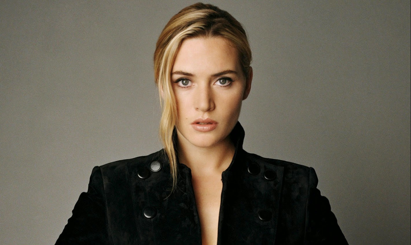 Beautiful Kate Winslet in Black Dress Wallpaper