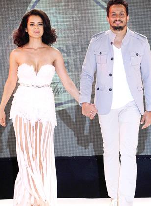 Gorgeous Kangna Ranaut dazzled at the Blenders Pride Fashion Week