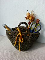 https://laventanaazul-susana.blogspot.com.es/2017/06/216-mini-capazo-de-trapillo-crochet.html