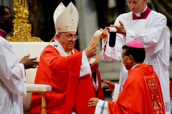 Hasil gambar untuk gambar uskup roma