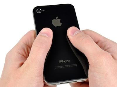 Thay-mat-kinh-iPhone-4-chinh-hang
