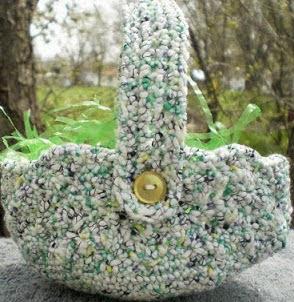 http://crochetingcrab.blogspot.com.es/2010/04/tisket-tasket.html