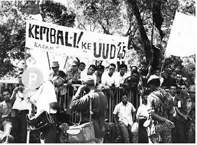 Timbulnya Demonstrasi Menentang PKI - pustakapengetahuan.com