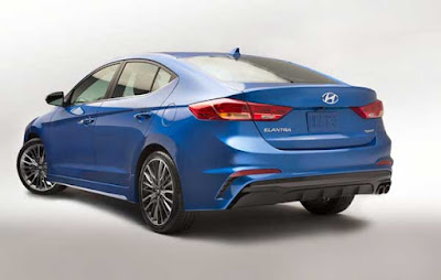 New 2017 Hyundai Elantra Rear angle Hd Photos