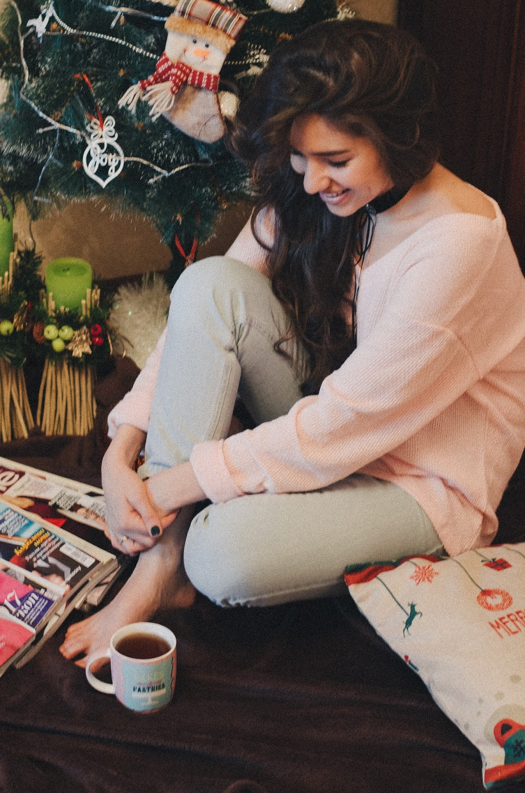 fashion blogger diyorasnotes festive mood pink jumper