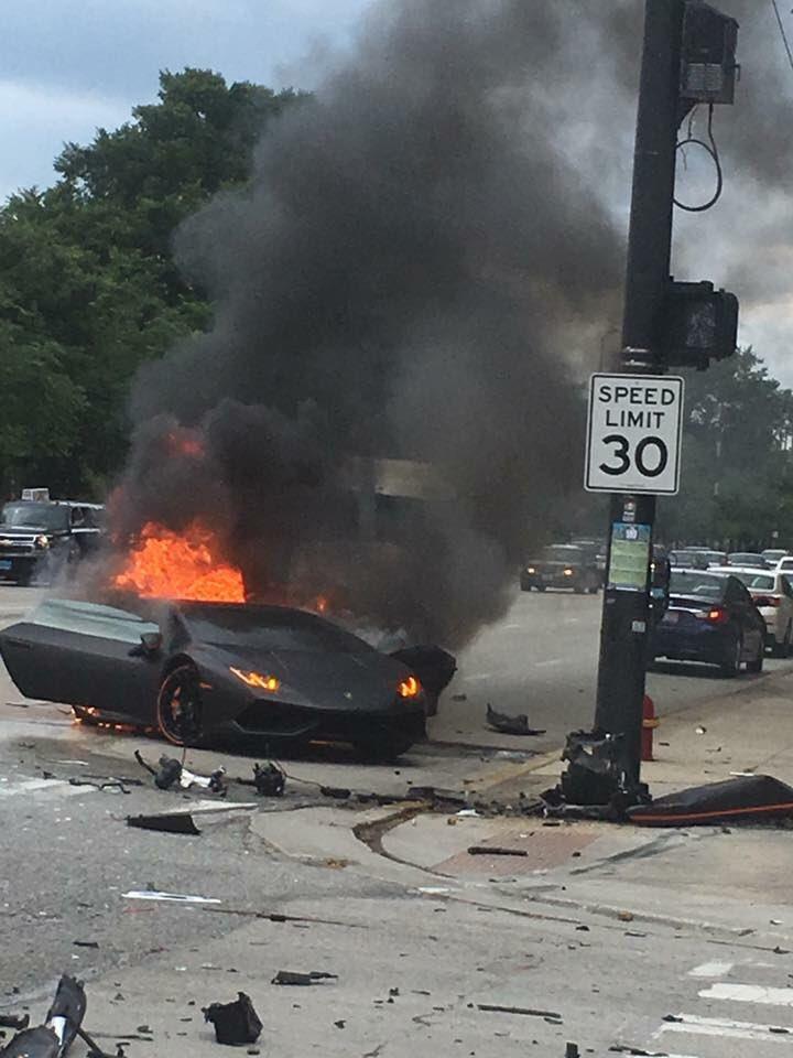 Burning Car Wallpaper Lamborghini Huracan Driver Saved Seconds Before Wrecked