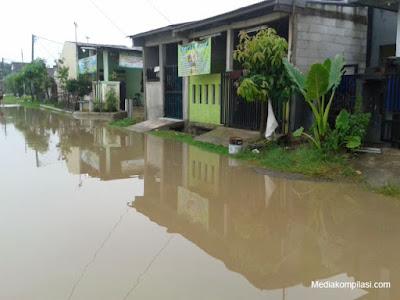Banjir bekasi 2016
